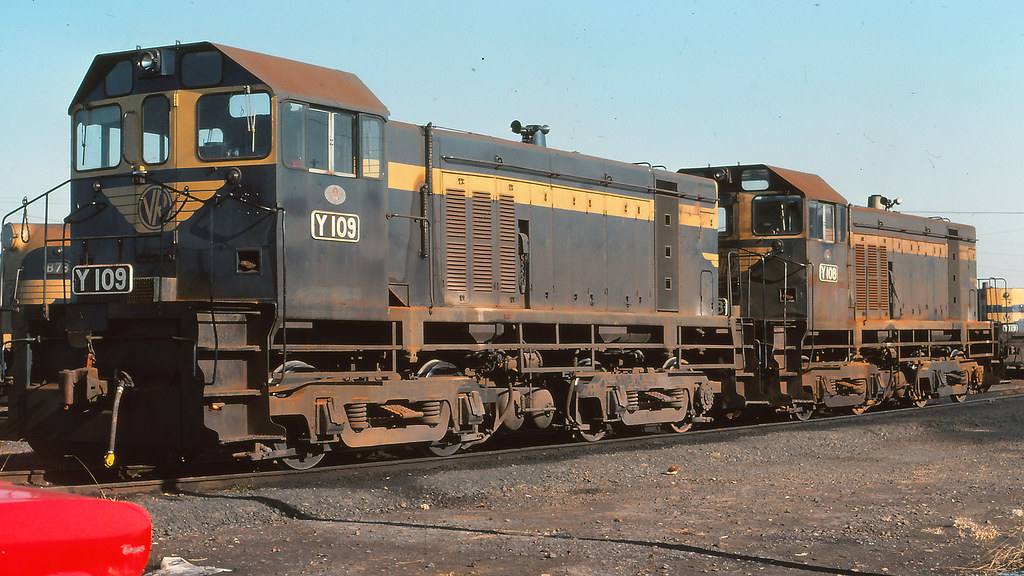 VR_BOX003S09 - Y108 and Y109 at South Dynon loco depot by michaelgreenhill