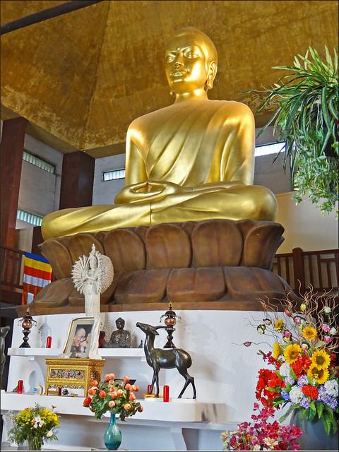 Le grand Bouddha de la pagode de Vincennes