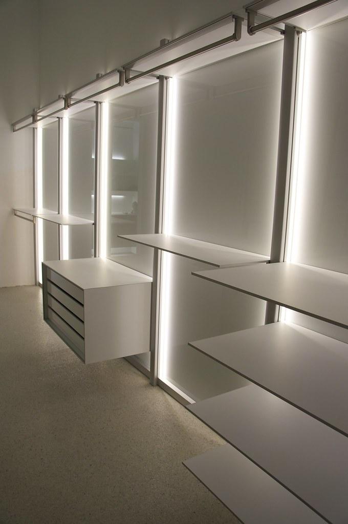 Moderne open dressing op maat | www.dressaway.be | ANYWAY doors | Flickr