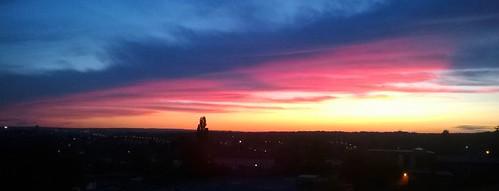 leeds ls14 leeds14 sunset sunsets sunris sunrise seacroft westyorkshire england uk sky skies redsky redskies