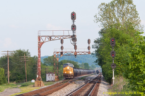 railroad train engine signal csx colorlight