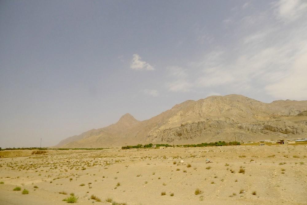 yazd-shiraz-L1020862