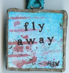 fly away bird tag charm back