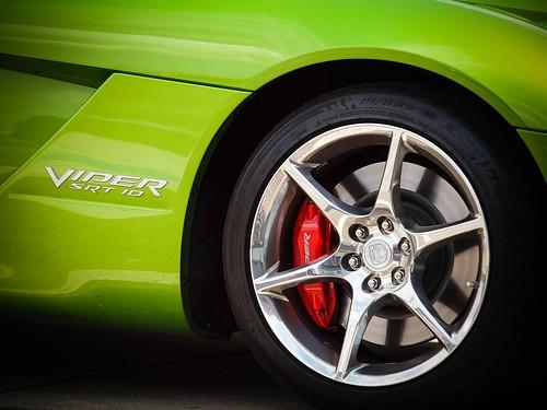 © dodge mopar viper garyburke 600hp snakeskingreen vipergreen olympuse620 2010dodgevipersrt10 zuiko50200mmf28swd