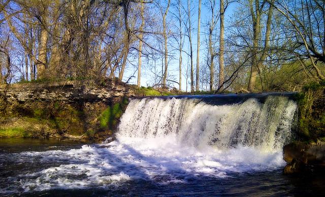 Lynn River Waterfall
