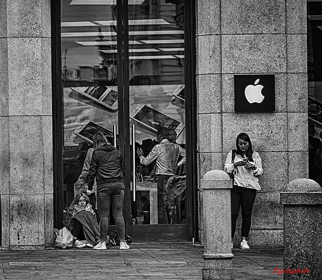 Waiting for the Iphone7