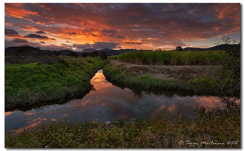sunset reflection clouds canon countryside cloudy dusk sigma australia wideangle nsw aussie aus 1020mm manfrotto sigma1020mm murwillumbah sigmalens countryaustralia northernnsw eos450d 450d tweedshire sorenmartensen tweedarea hitechgradfilters 09ndreversegrad