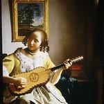 34 ギターを弾く女 (The Guitar Player)