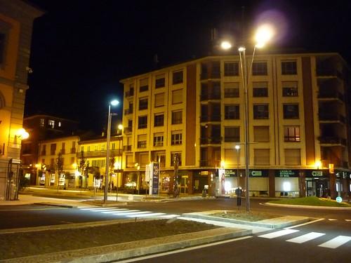 <p>Piazza Garibaldi - Alba<br /> Passaggi pedonali a LED</p>