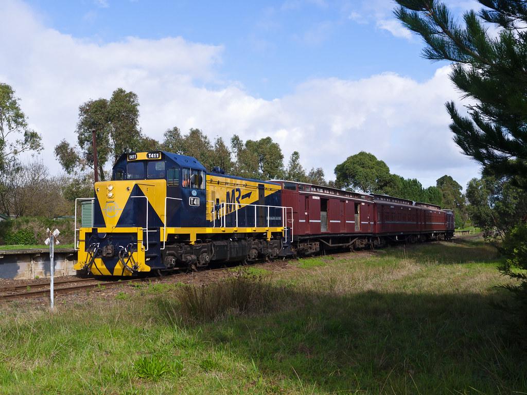 T411 Tanti Park by Rail Tourist Association