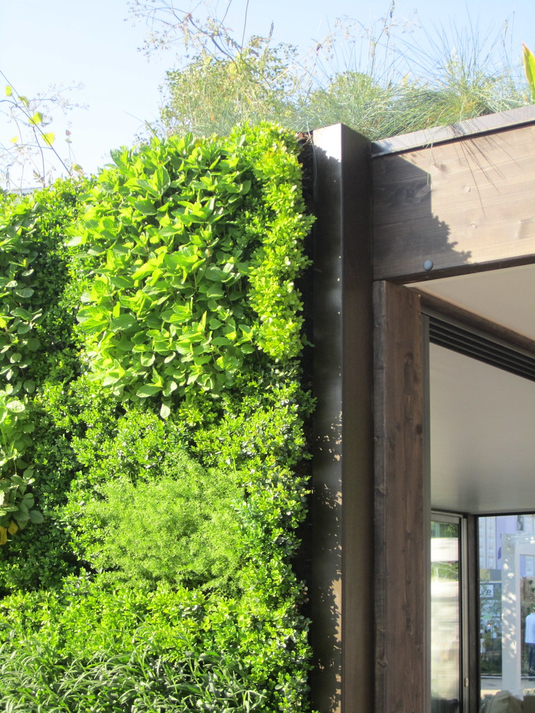 GREEN WALL AT CHELSEA BUILT BY EASY HOME HOT SPRINGS DESIG FLICKR