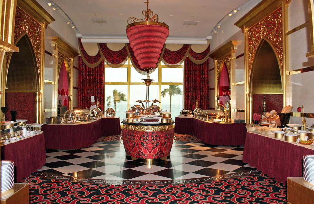 Afbeeldingsresultaat voor burj al arab buffet restaurant