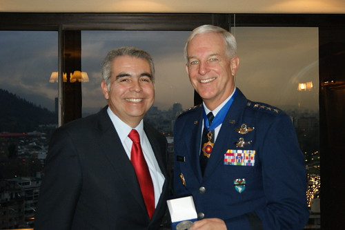 Reunión Con General Douglas M. Fraser