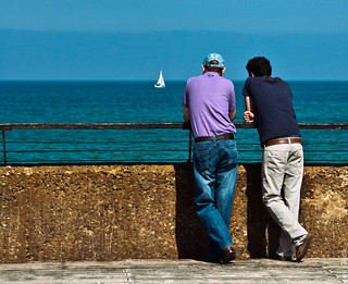 Conversation by the sea   by lev.glick