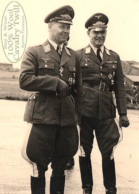 Luftwaffe-Officers In uniform 3