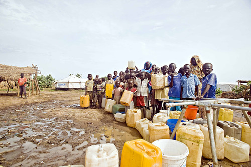 Children and women in line for water, Jamam refugee camp, South Sudan | by Oxfam International