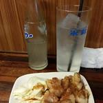 Motsuyaki, Nikomi, steak, garlic, sour, and shochu at shimonya, koenji