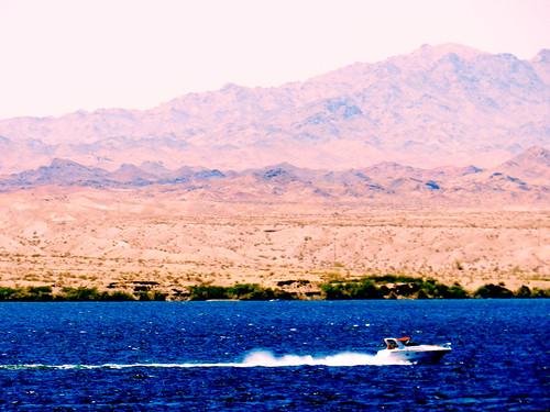 arizona usa mountain lake landscape boat unitedstates az riding havasu speeding lakehavasucity racer stateline