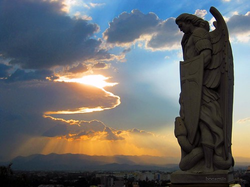 sky silhouette statue méxico clouds landscape mexico atardecer mexicocity paisaje escultura cielo nubes silueta estatua arcangel ciudaddeméxico villadeguadalupe cerrodeltepeyac arcangelmiguel booxmiis