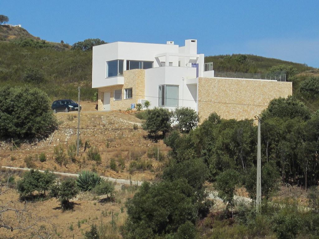 Villa spacieuse et moderne à vendre en Algarve orientale ...