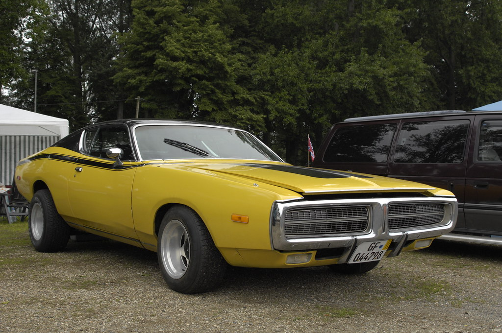 Dodge Charger 1972 3rd Generation In Super Bee Style A Photo On Flickriver