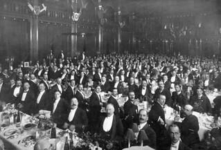Banquet organized in honour of the Canadian Olympic lacrosse team, England 1908 / Banquet donné en l'honneur de l'équipe olympique canadienne de crosse, Angleterre, 1908