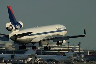 Delta Air Lines N802DE | by saku_y