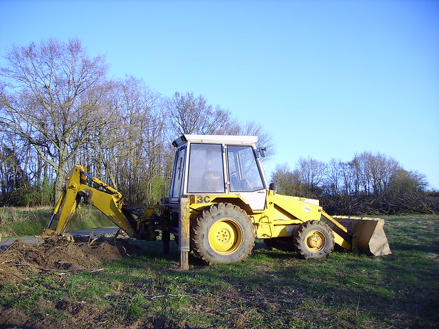 Tractopelle JCB...3