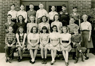 Lakewood - Roger and Sixth Grade Class