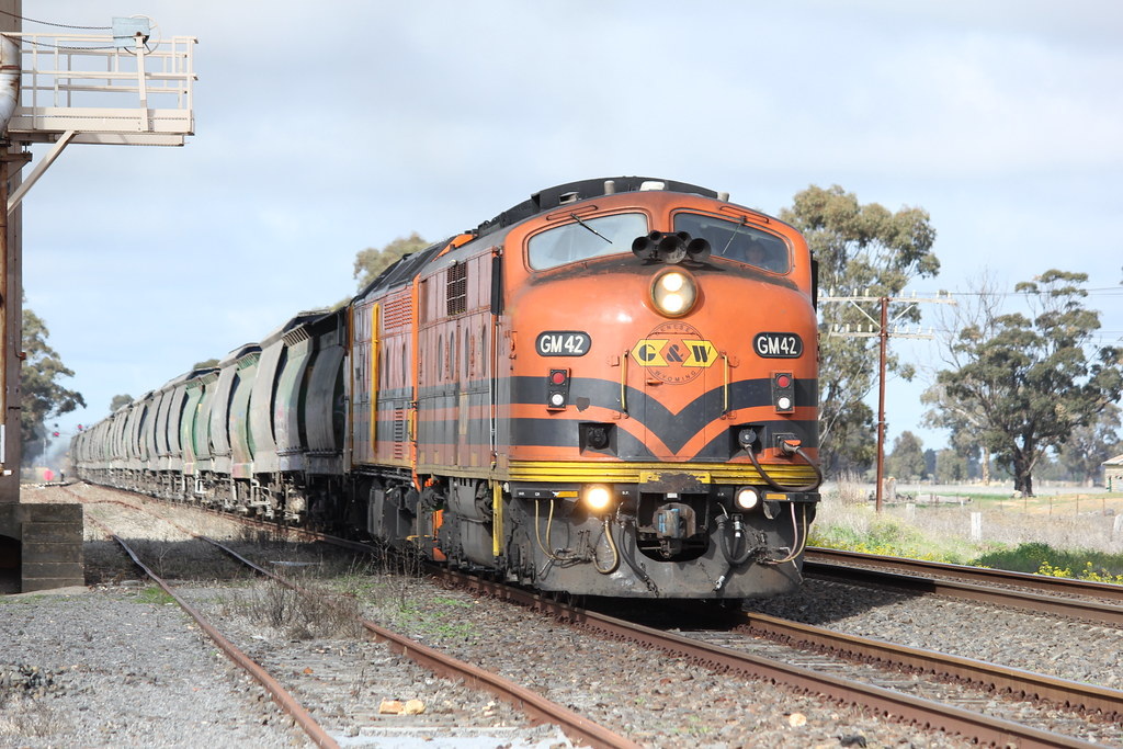 GM42 and CLP17 power up and out of Lubeck Loop on an empty GWA grain train by bukk05