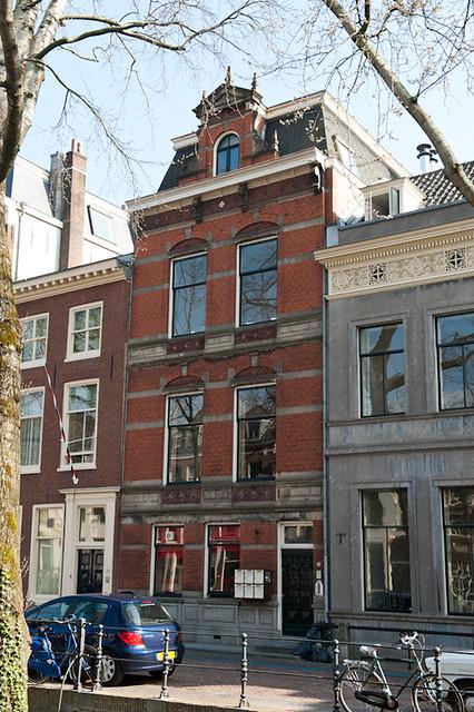 Petronella Moens woonde de laatste jaren van haar leven hier op kamers aan de Nieuwegracht 30. Foto: Anna van Kooij.
