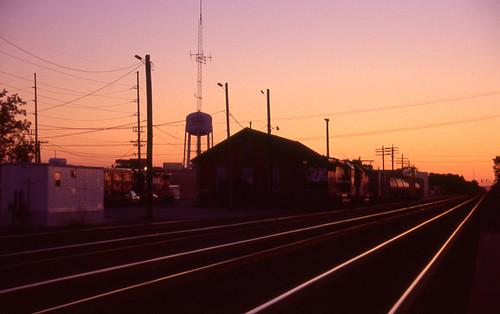 railroad sunset ohio train norfolk southern bryan depot emd