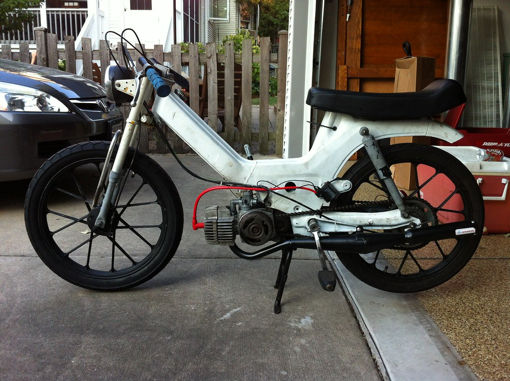 White Puch Maxi / Newport | K Star 70cc kit, Tecno Boss pipe