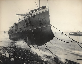 Launching of the HMS Hogue (1900)