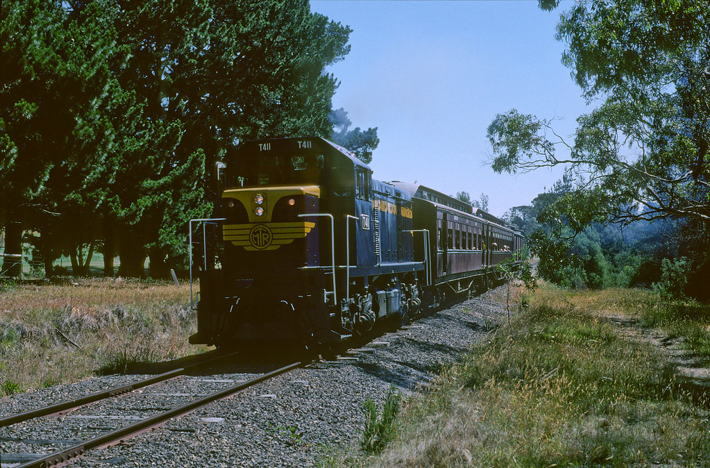 T411 near Moorooduc by Rail Tourist Association