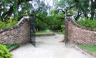 Entrance to Boone Hall Plantation | by Rennett Stowe