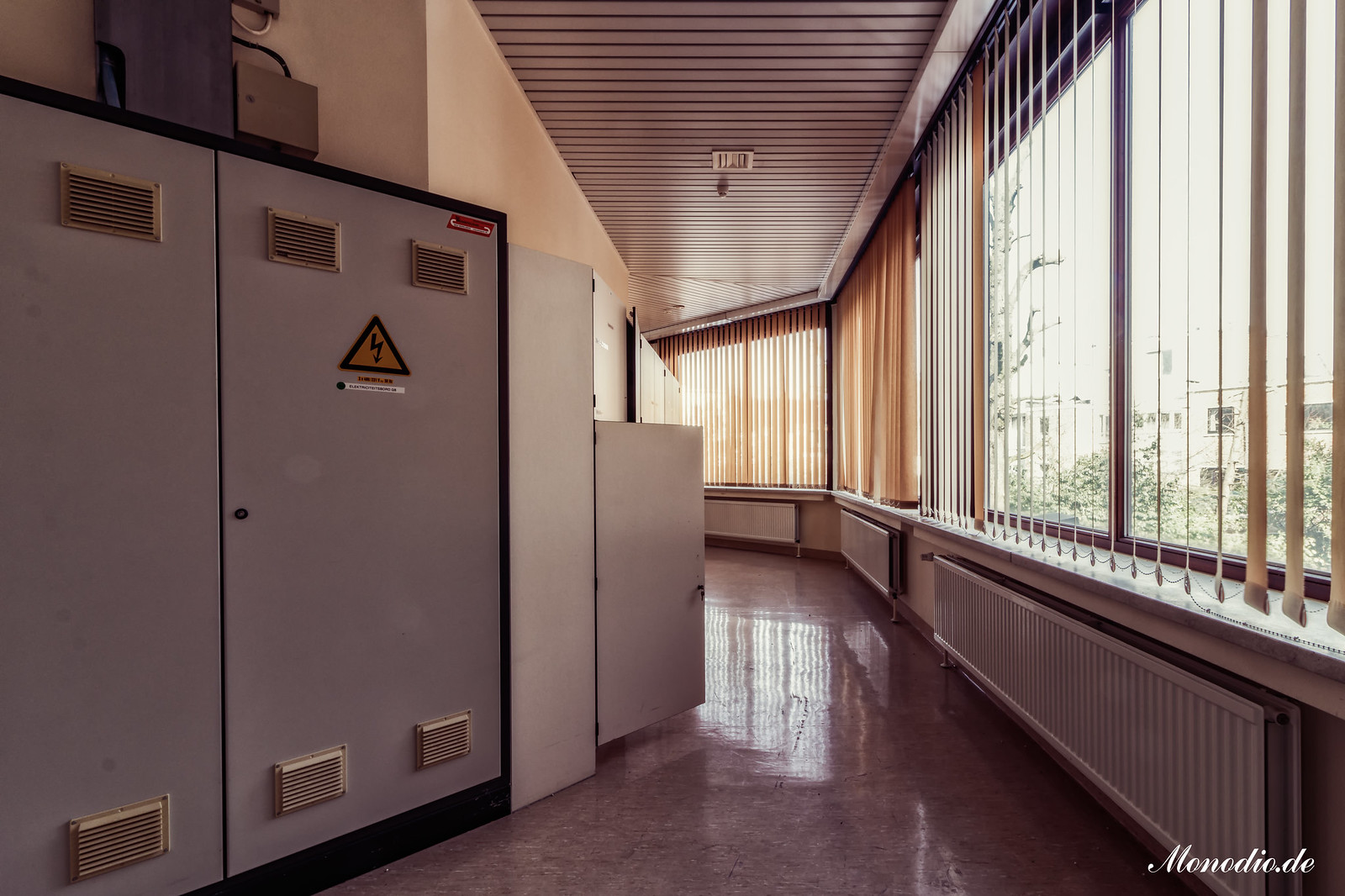 Hospital F.