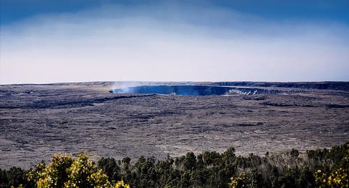hawaii hawaiivolcanoesnationalpark halema'uma'u crater kīlaueassummitcrater kīlauea volcanohouse volcano eruption gases wyojones np