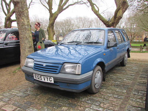 Vauxhall Cavalier 1.6 Estate E125VYC | by Andrew 2.8i