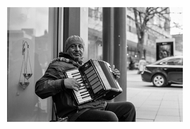 FILM - Man and accordion
