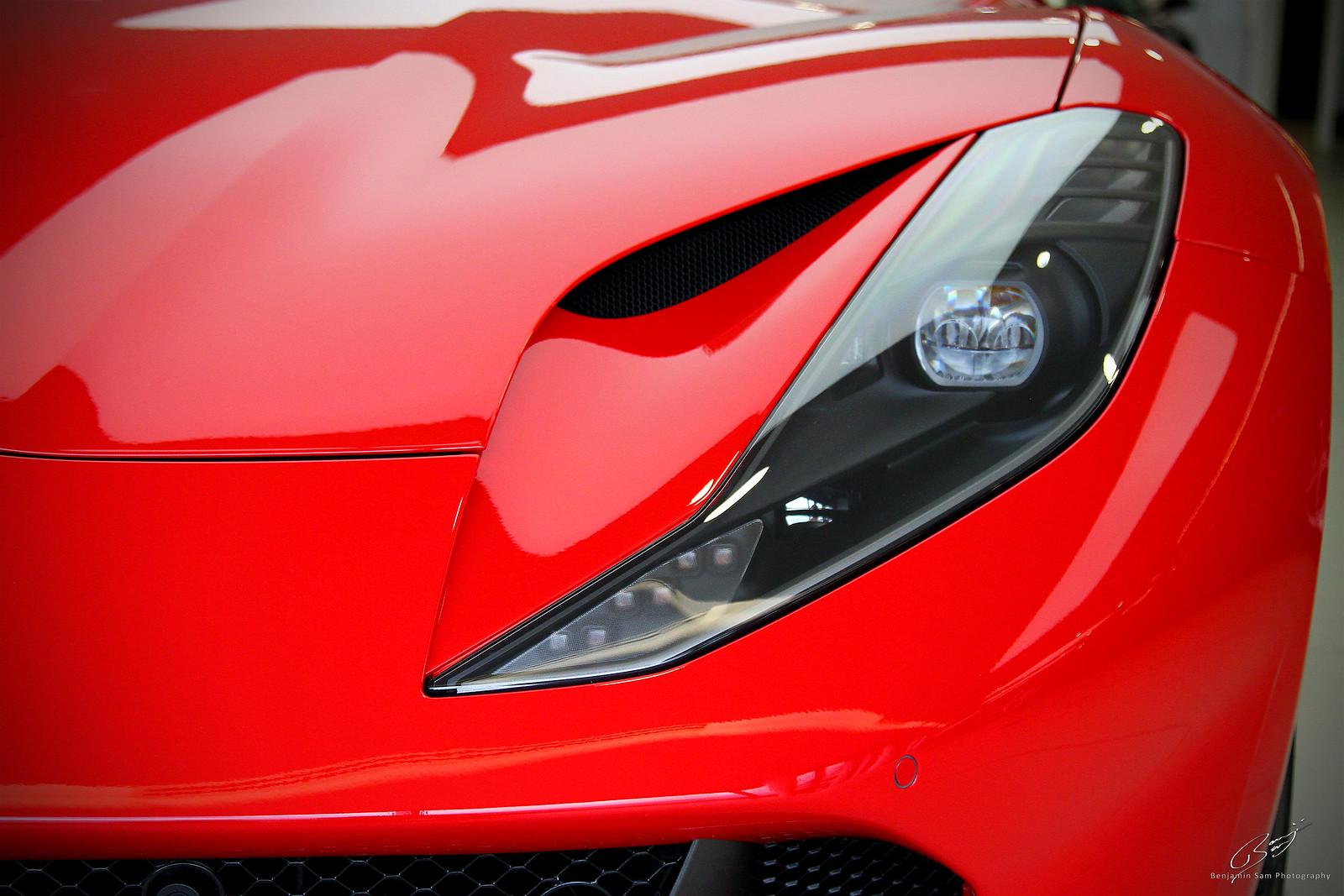 Ferrari 812 Superfast Headlamp LR