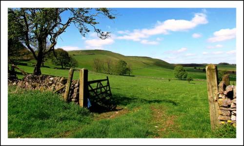 gate open taddington derbyshire peak district