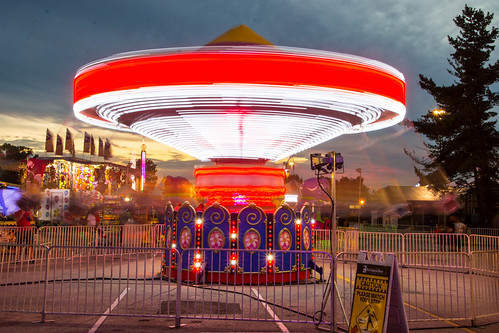 kentuckystatefair kentucky amusementpark sunset dusk amusementride red louisville