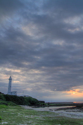sunset sea night geotagged cloudy taiwan 夕陽 海 hdr taitung 太平洋 ludao tonemapping 台東縣 綠島燈塔 綠島鄉 20120525 geo:lat=2267649 geo:lon=12146635