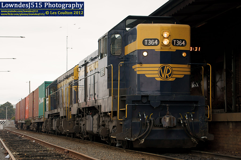 T364 & T413 at Seymour by LowndesJ515
