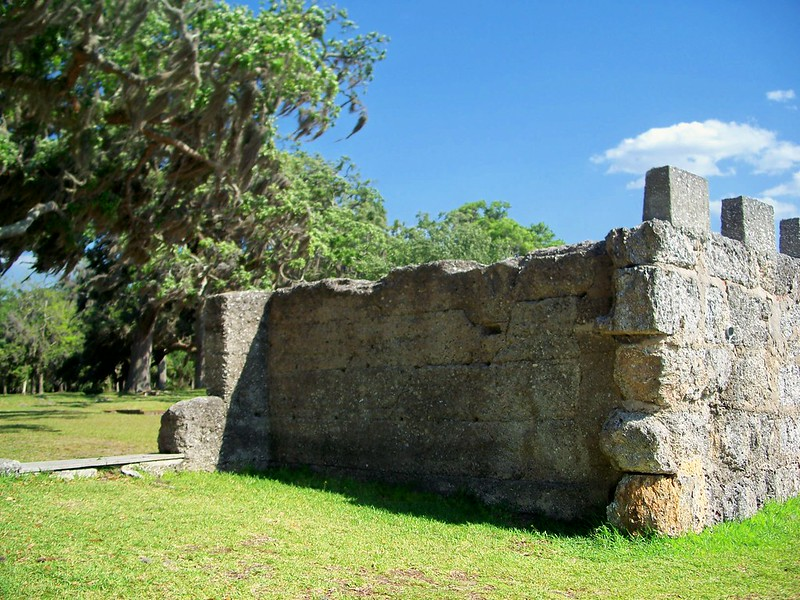 battlement from side, Fort Frederica, St. Simon's Island, 23 April 2012
