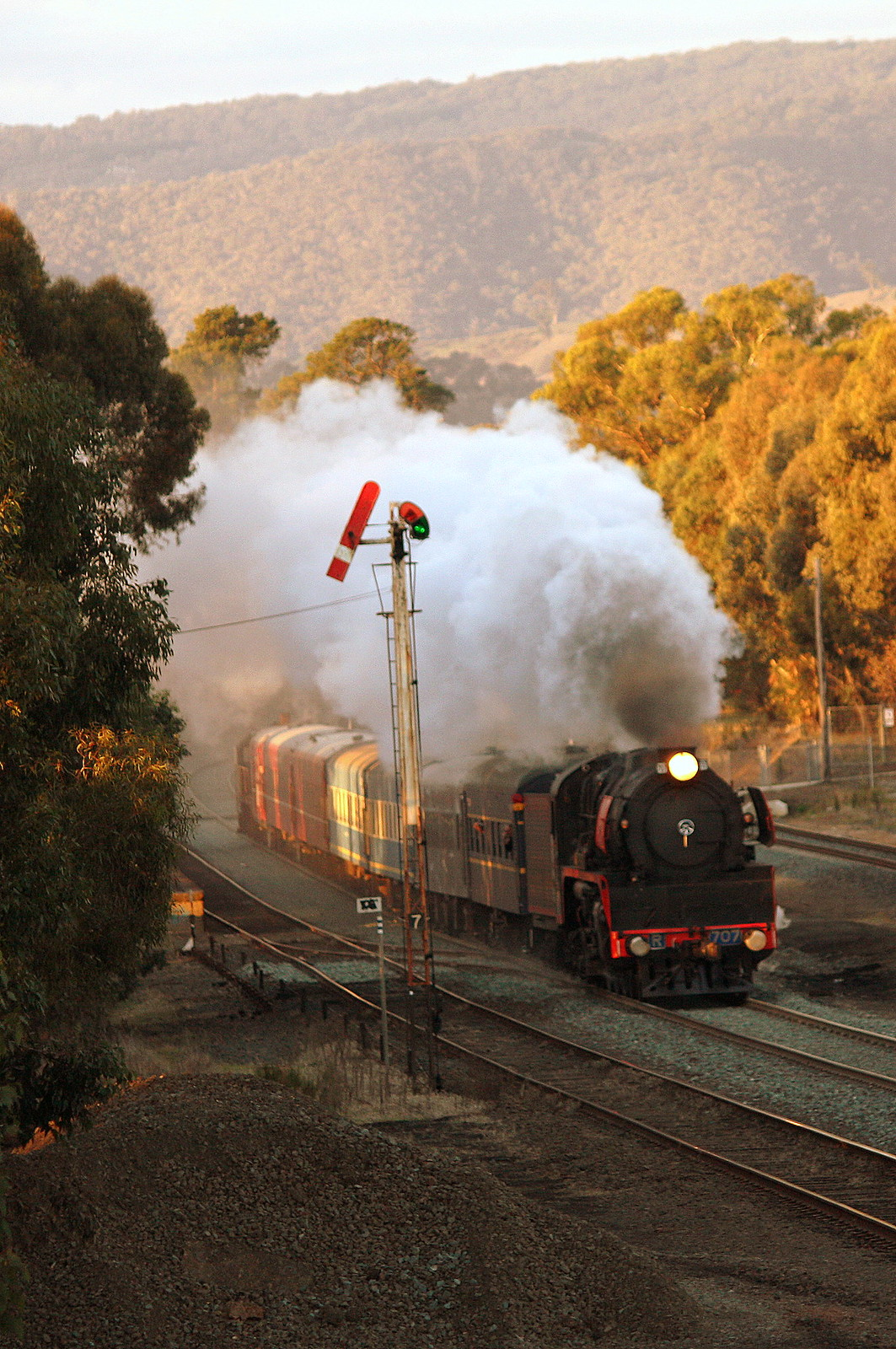 R707 at Broadford by LC501