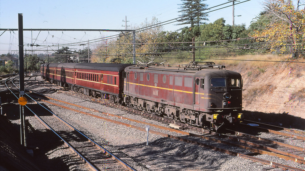 NSWGR_BOX007S06 - 4635 at Epping by michaelgreenhill