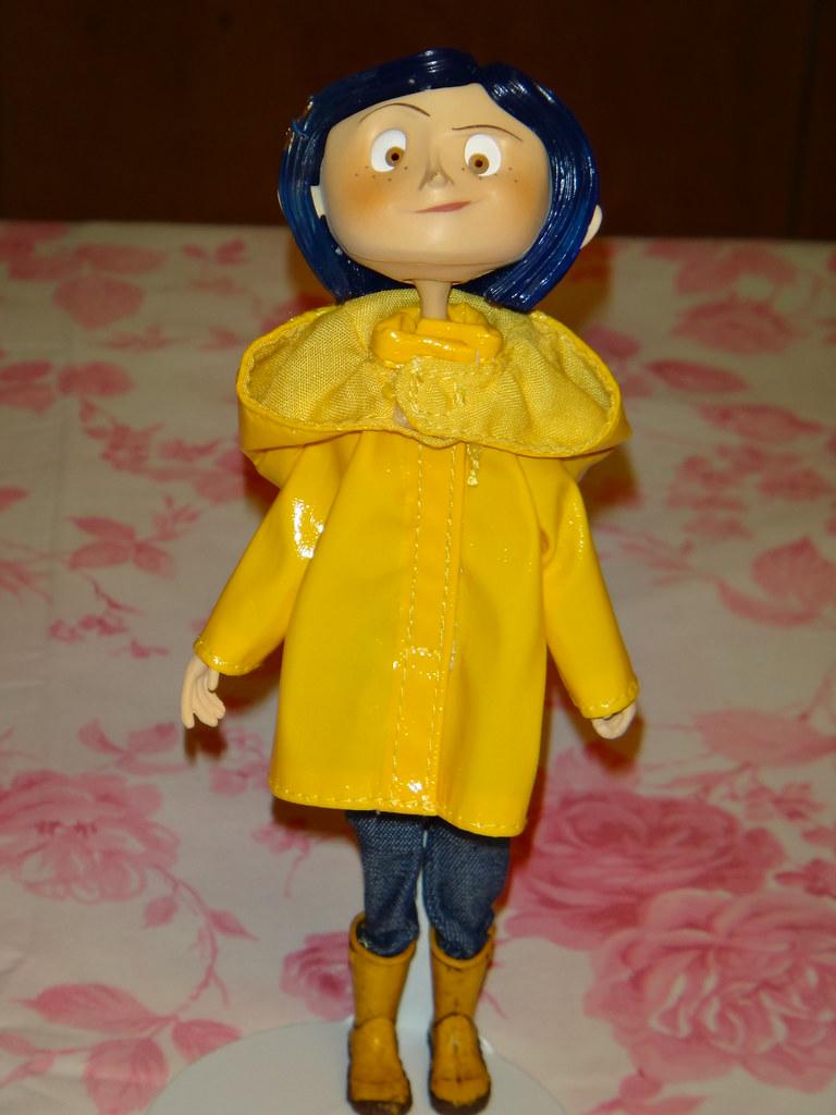 Neca Coraline Raincoat Bendy 7 Doll Standing Head Fa Flickr