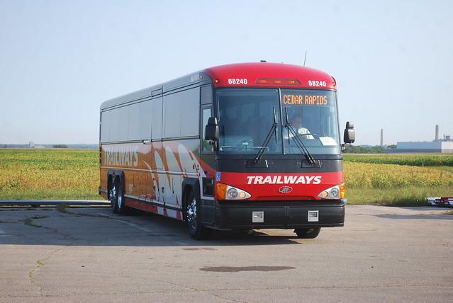 Trailways 68240 bus, Cedar Rapids, IA